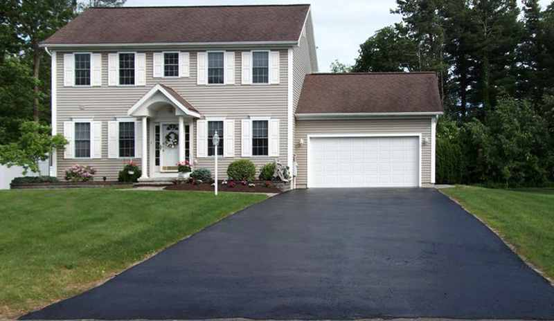 beautiful driveway after its been sealcoated